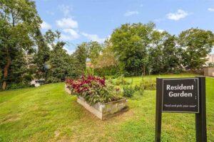 Wynnewood-House-exterior-apartments-resident-garden-outdoor-rental