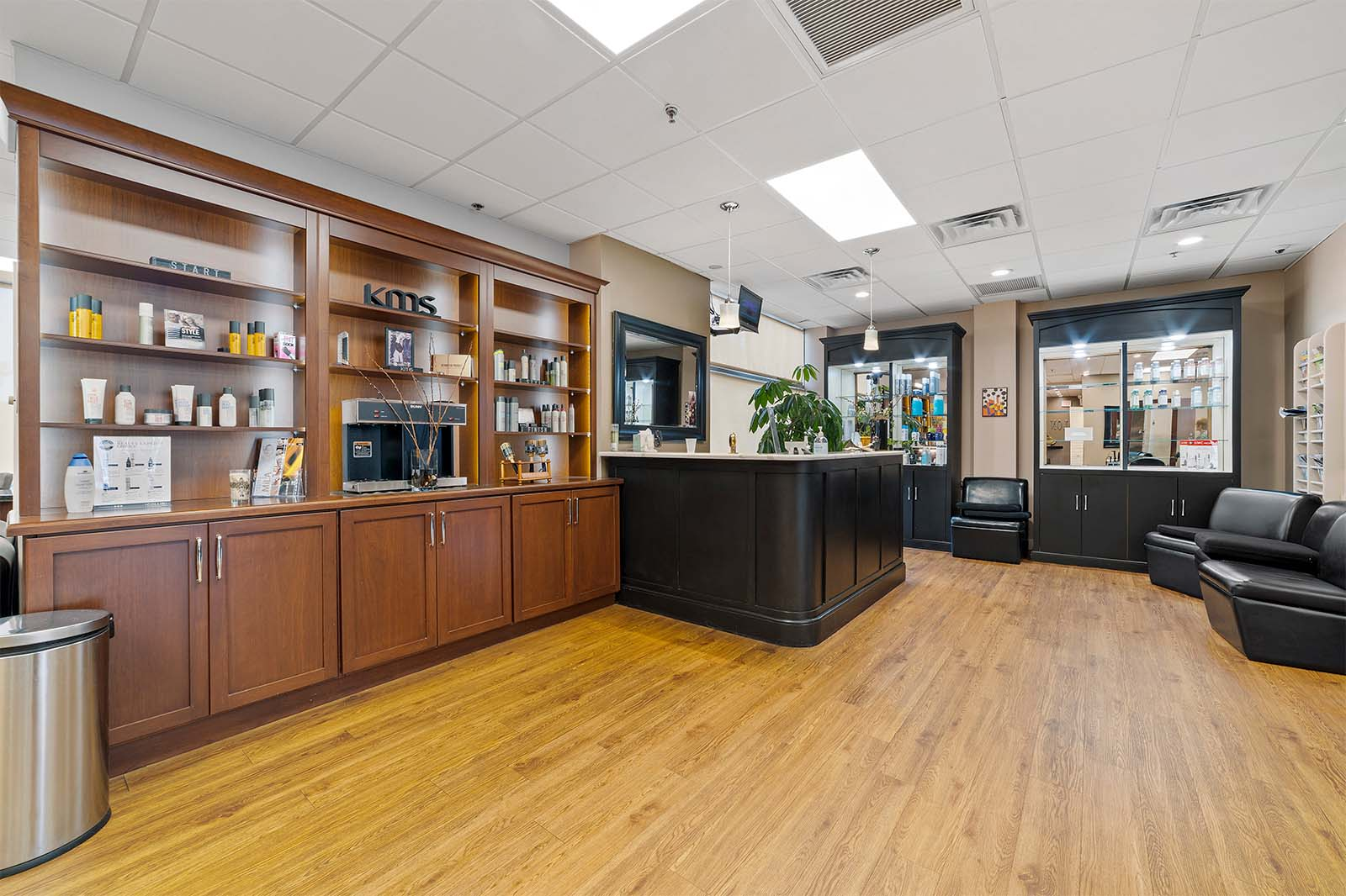 Wynnewood-House-interior-commercial-salon-business