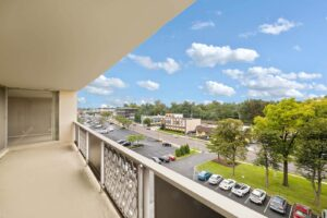 Wynnewood-House-exterior-apartments-balcony